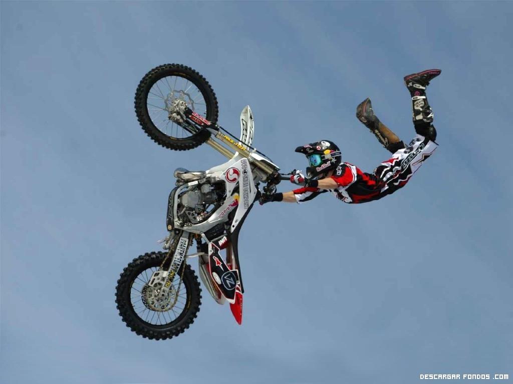 Acrobacia en moto