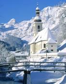 Capilla en medio de la nieve