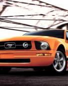 Ford Mustang anaranjado