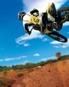 Practicando motocross